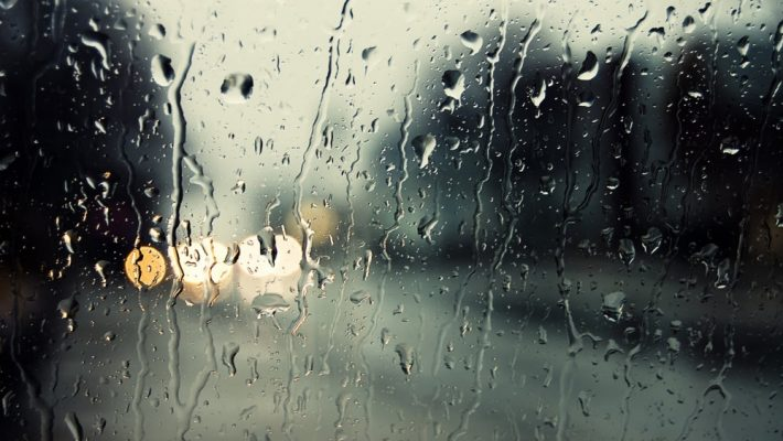 Trasee RATT deviate din cauza ploilor torențiale