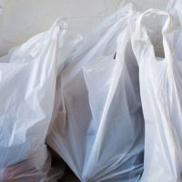 Pungile din plastic subţire şi foarte subţire, cu mâner, vor fi interzise