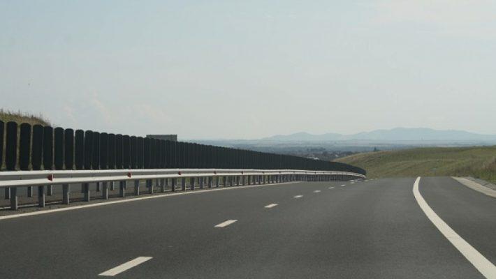 Polițiștii rutieri au acționat pe autostrăzi pentru prevenirea accidentelor și asigurarea fluenței traficului