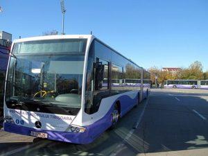 Circulația mai multor mijloace de transport în comun va fi deviată duminică