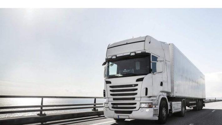 Traficul greu dinspre România către Ungaria este întrerupt astăzi, până la ora 23:00